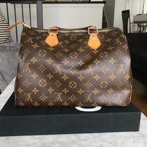 Louis Vuitton Bags - Authentic Louis Vuitton Speedy 30